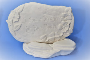 U-Paint Ceramic Rock Plate Display.