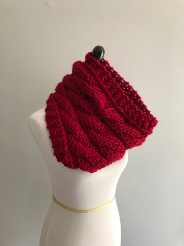 Cozy Cabled Cowl