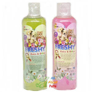 Remu Freshy Shampoo For Cats & Dogs pink and green, Persian cat shampoo available online at allaboutpets.pk in pakistan.