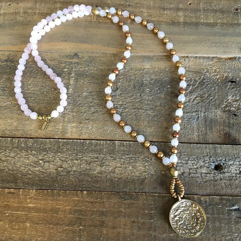Rose quartz and Freshwater pearl,