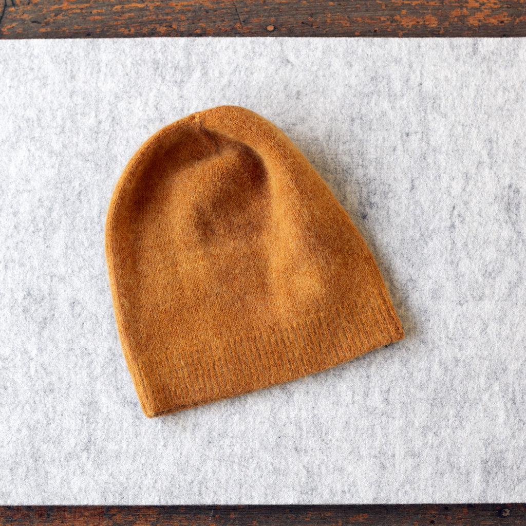 Angora and lambswool blend beanie in pumpkin