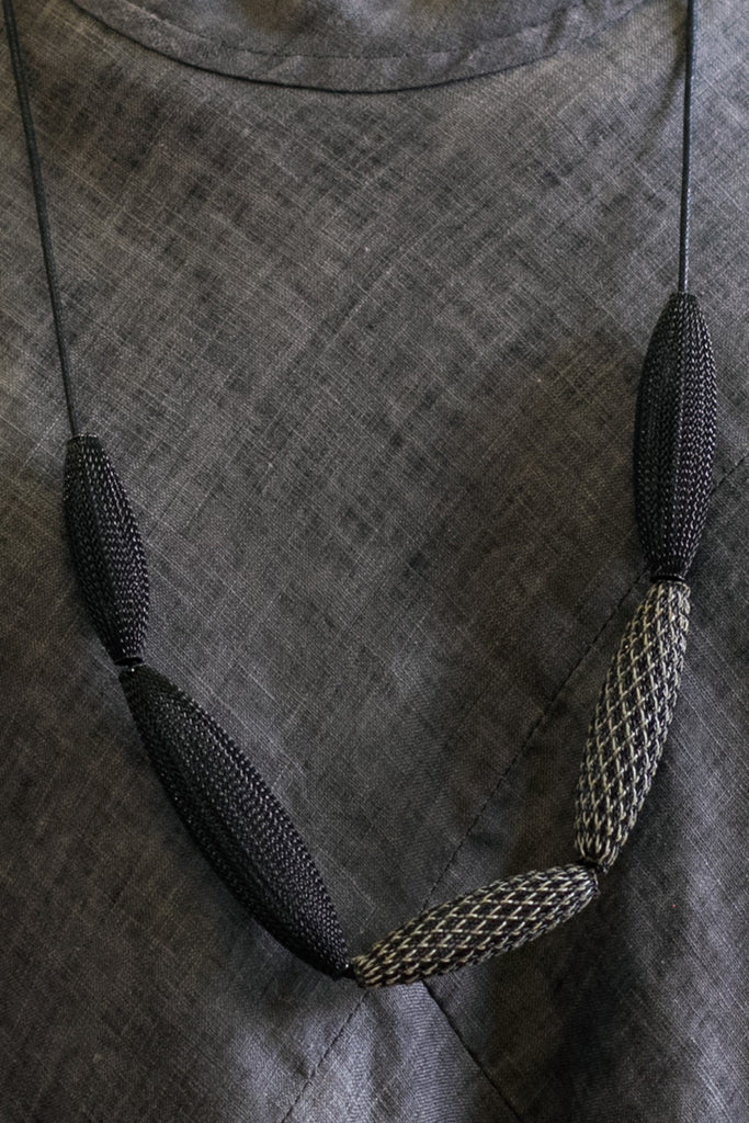 Reflective Black Loop Mesh Necklace close view