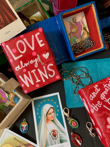 Photos of the Saint Valentine's Day Boxes, Medals, Cards, Chains, Clasps & Lagniappe