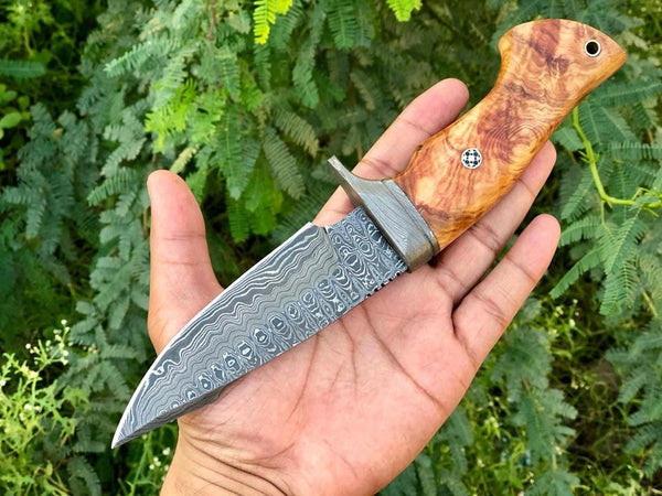 Custom Handmade Damascus Steel Hunting knife With Leather Sheath.....Knives Hub