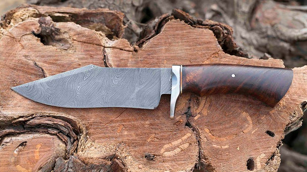 Damascus steel Hunting Knife....Knives Hub