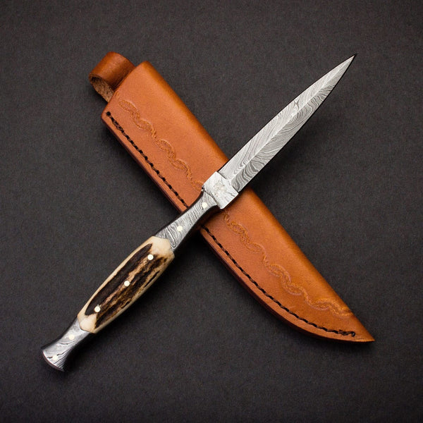 |Knives Hub| Stag Horn Handle Damascus Steel Blade Dagger Knife With Leather Sheath