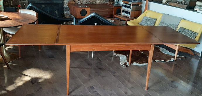 REFINISHED MCM Teak Draw Leaf Table with 2 Extension Leaves, PERFECT 54-95