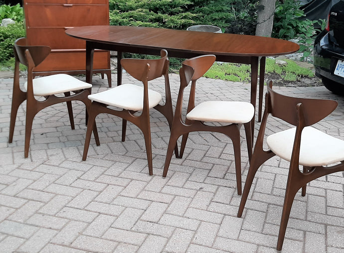 Restored MCM Walnut Dining Table w 1 leaf & 4 Chairs by Deilcraft