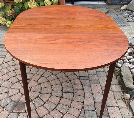 REFINISHED MCM  Round to Oval Teak Table w 3 Leaves 41.5