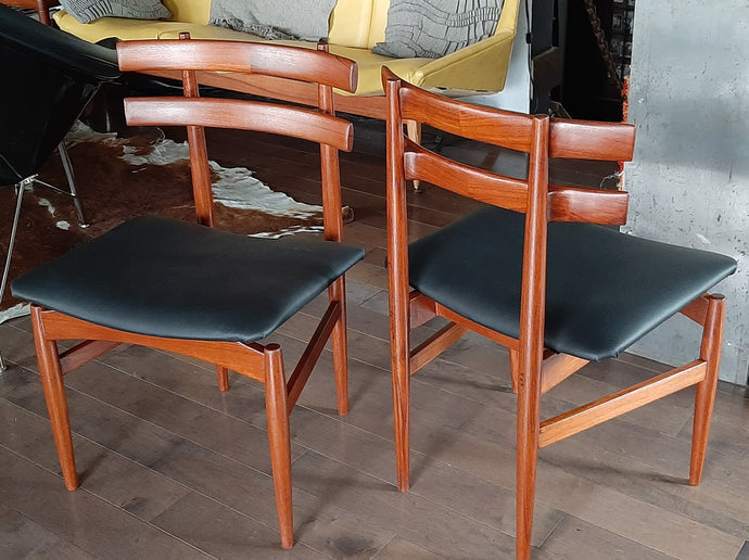 2 REFINISHED P. Hundevad Teak Chairs REUPHOLSTERED in Real Leather, PERFECT, model 30 - Mid Century Modern Toronto