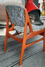 Load image into Gallery viewer, 4 RESTORED Danish MCM Teak Chairs by Arne Vodder for Vamo, ready for the new upholstery