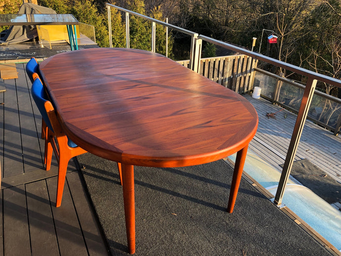 REFINISHED Danish MCM Teak Table Round to Oval with 2 Leaves by Vejle Stole Mobelfabrik 46.5