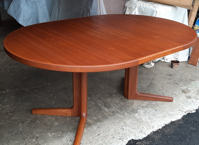REFINISHED Danish MCM Teak Table Round to Oval w 1 leaf 47