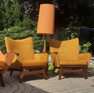 Set of 2 MCM Lounge Chairs in Walnut & Mohair attributed to Adrian Pearsall