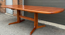 "Load image into Gallery viewer, REFINISHED MCM Teak Dining Table w 2 Leaves Selfstoring, 63""-100.5"""