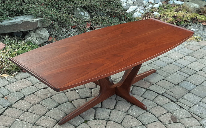 REFINISHED MCM Walnut Surfboard Coffee Table by Deilcraft 54
