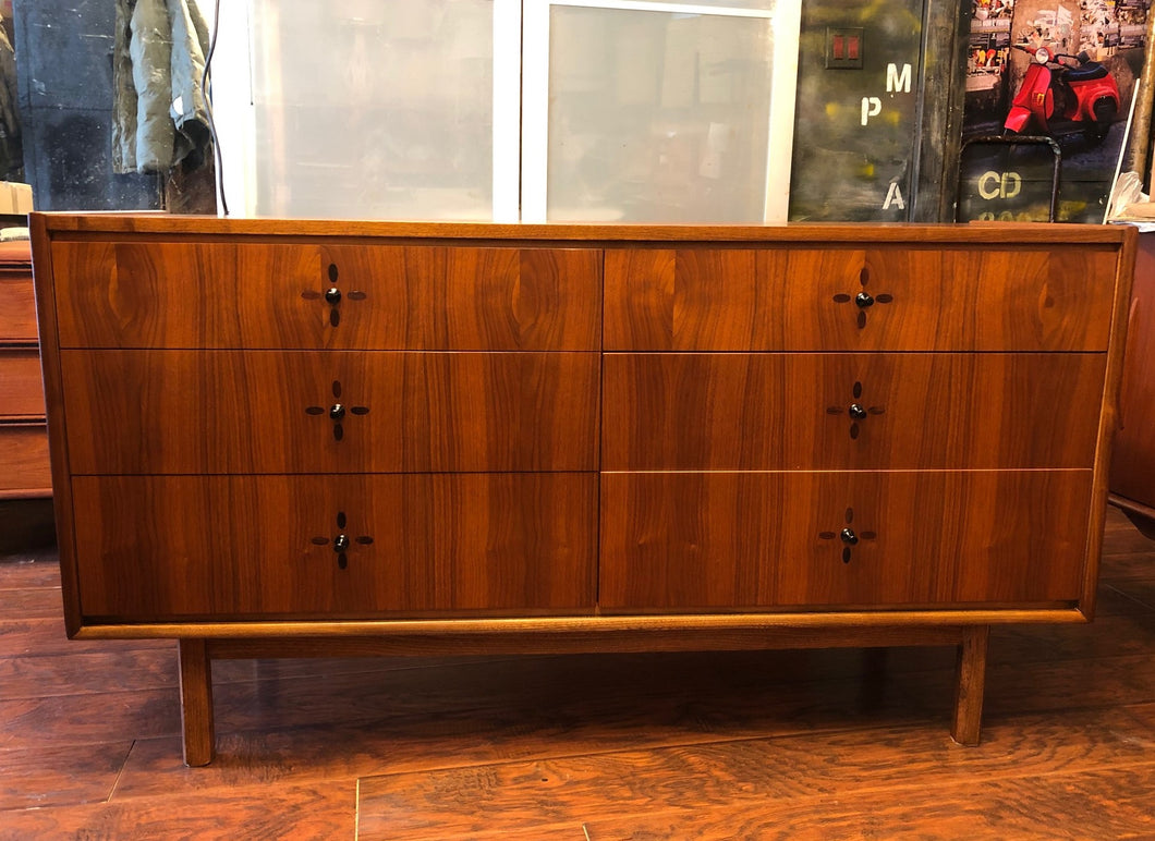 REFINISHED MCM Walnut Dresser 6 Drawers with rosewood inlay 56