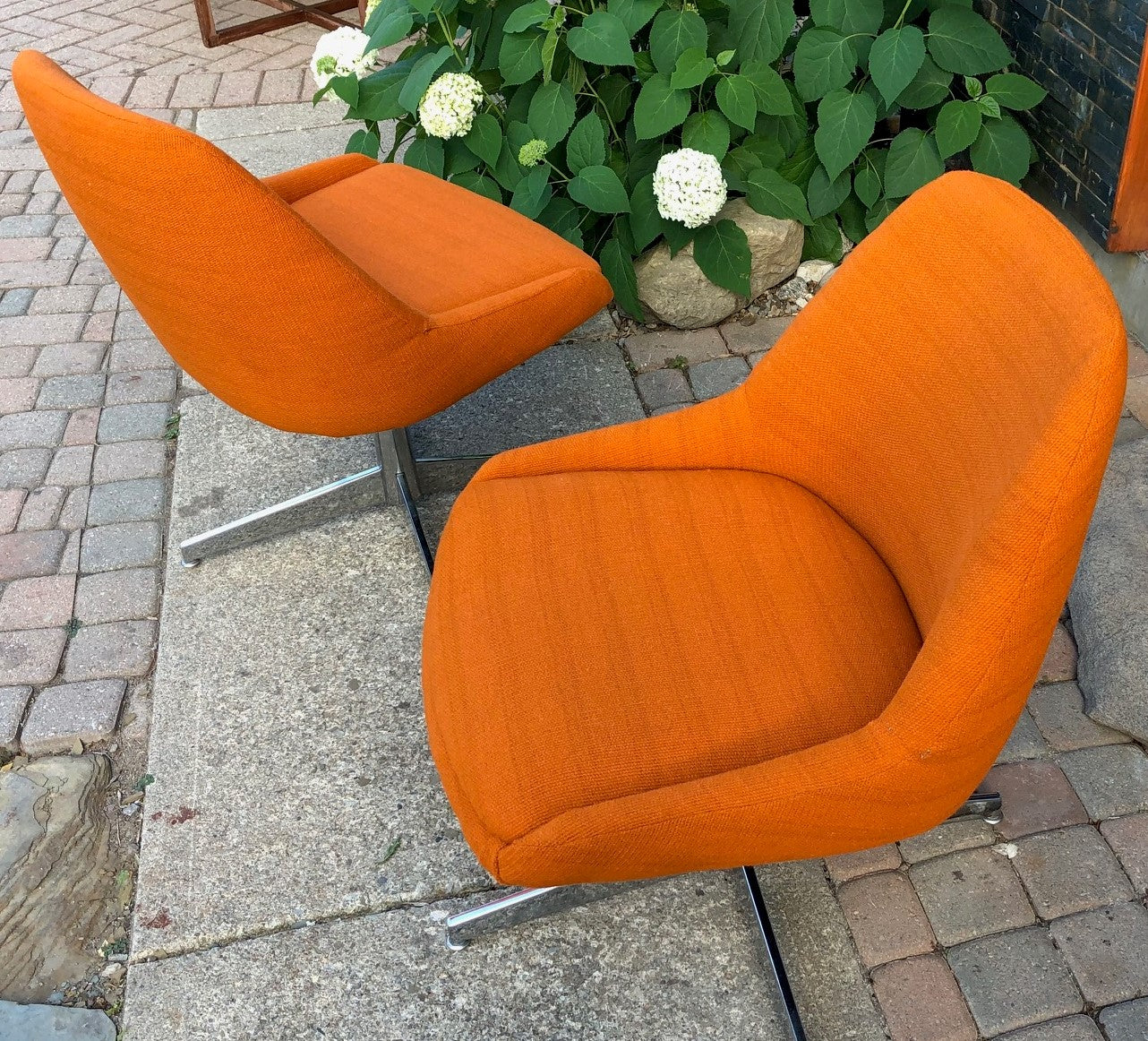 Set Of 2 Vintage Mcm Reupholstered Swivel Lounge Chairs