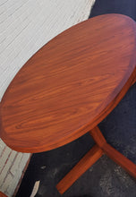 "Load image into Gallery viewer, REFINISHED MCM Rosewood Table Oval w 2 Leaves 64""-104"", pedestal legs, PERFECT - Mid Century Modern Toronto"