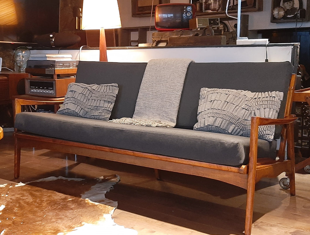REFINISHED REUPHOLSTERED Mid Century Modern 3-Seater Sofa 6 ft Grey fabric PERFECT - Mid Century Modern Toronto