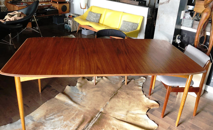 REFINISHED MCM Walnut Dining Table Extendable w 2 leaves by Deilcraft, perfect, 48