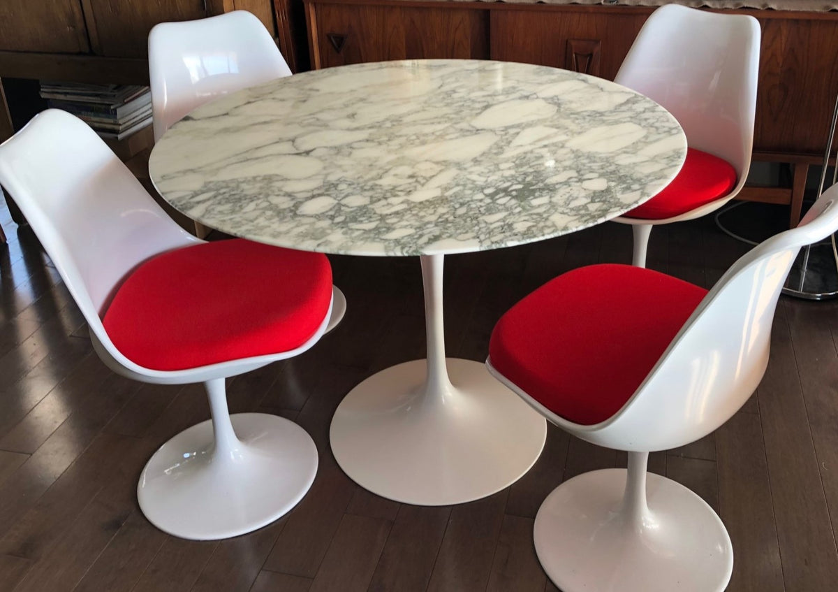 Authentic Knoll E Saarinen Marble Tulip Dining Table