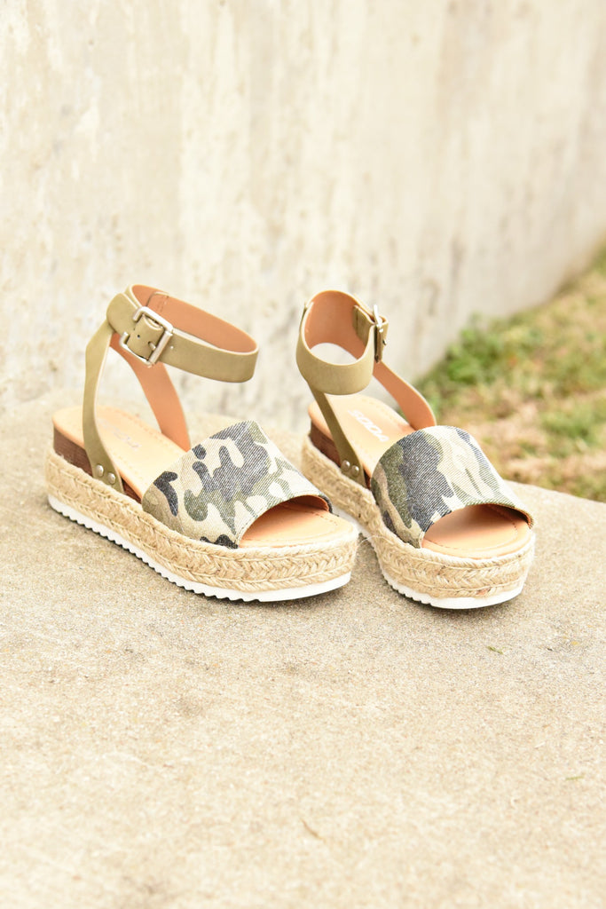 The Weekender Platforms - Camo Canvas