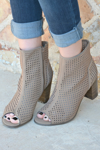 On The Move Booties - Natural