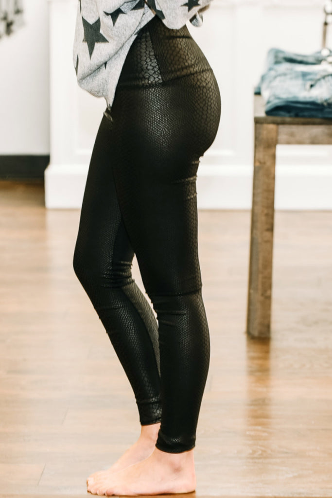 Keep Me Close Leggings - Black