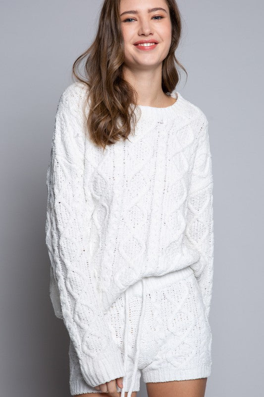 Soft and Cozy Cable Knit Sweater (2 Colors)