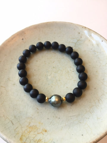 Peace_A_Porter Tahitian Pearl and Onyx Bracelet