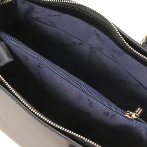 Internal View Of The Black Ruga Handbag