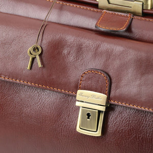 Key and Locking View Of The Brown Exclusive Bernini Leather Doctors Bag