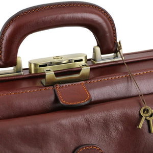 Closing Mechanism View Of The Brown Exclusive Bernini Leather Doctors Bag