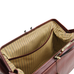 Internal Pocket View Of The Brown Leather Doctors Bag