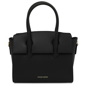 Front View Of The Black Tote Handbag