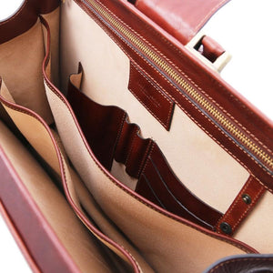 Internal Compartment View Of The Brown Leather Doctor Bag