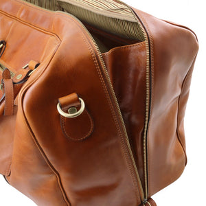 Side External Zipper View Of The Honey Classic Leather Traveler's Bag