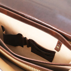 Internal Features View Of The Dark Brown Professional Leather Briefcase