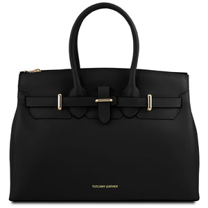 Front View Of The Black Ladies Handbag