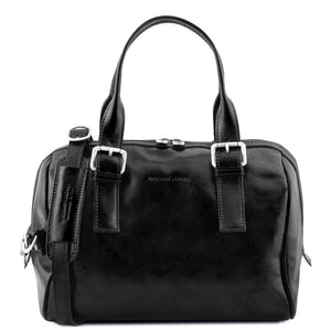 Front View Of The Black Womens Leather Duffle Bag