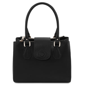 Front View Of The Black Luxury Leather Handbag