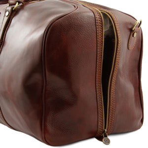 Zipper Side Closure View Of The Brown Leather Weekender Large Travel Bag