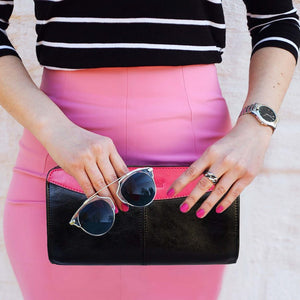 Women Posing With The Black And Pink Jen Womens Leather Purse