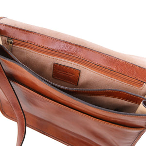 Internal Features View Of The Brown Leather Messenger Bag Men's