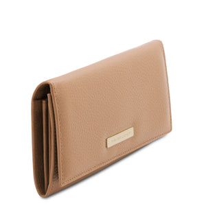 Angled View Of The Champagne Leather Purse For Women