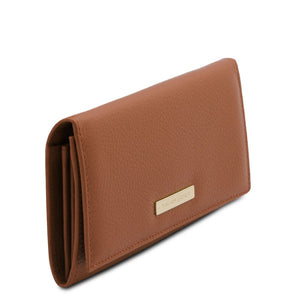 Angled View Of The Cognac Leather Purse For Women