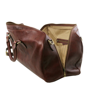 Right Angled Opening And Closing Zipper View Of The Brown Leather Duffle Bag Large