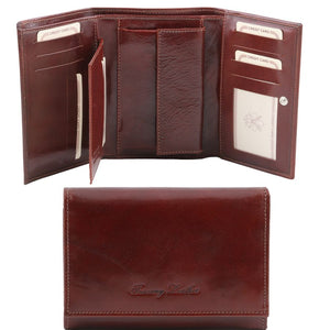 Internal And Frontal View Of The Brown Leather Women's Wallet