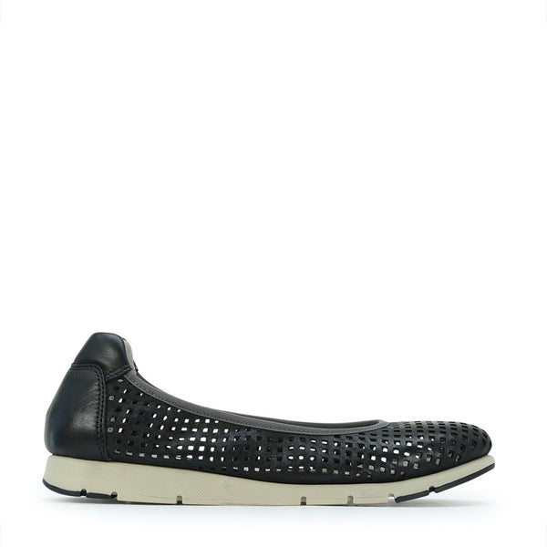 AEROPERF - Urban Collective Footwear